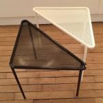 Paire de Petites Tables Triangles de Mathieu Mategot