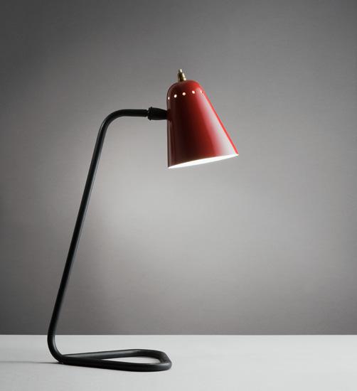 lampe cocotte rouge de robert mathieu. Black Bedroom Furniture Sets. Home Design Ideas