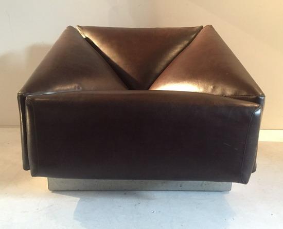 3_fauteuil__1970_skai_galerie_meubles_et_lumieres.jpg