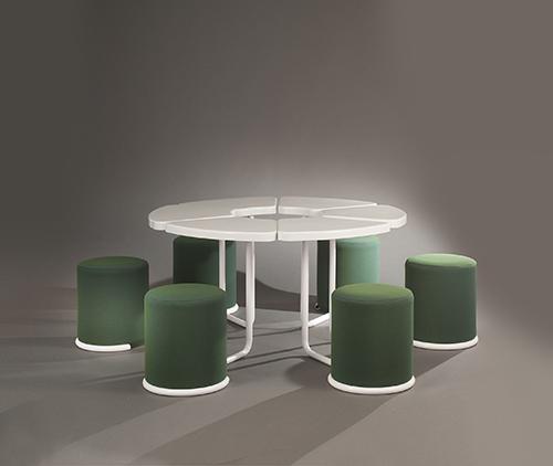 Table_poufs_lionel_morgaine__sentou_3_web_.jpg